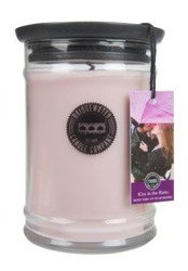 Bridgewater Candle Świeca zapachowa Kiss in the Rain 524g
